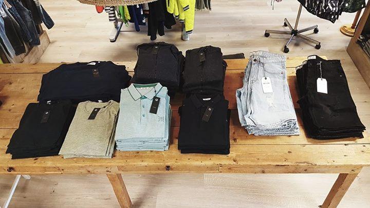 BREAKING NEWS!  De eerste levering van Only & Sons is al binnen! Polo's, t-shirt...