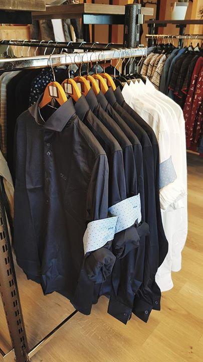 De donkerblauwe overhemden van Gabbiano zijn binnen! Maat S t/m XXXL € 59,95 p.s...