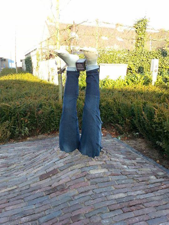 Deze week is dit kunstwerk met broek (op maat gemaakt) nog te bewonderen op de h...