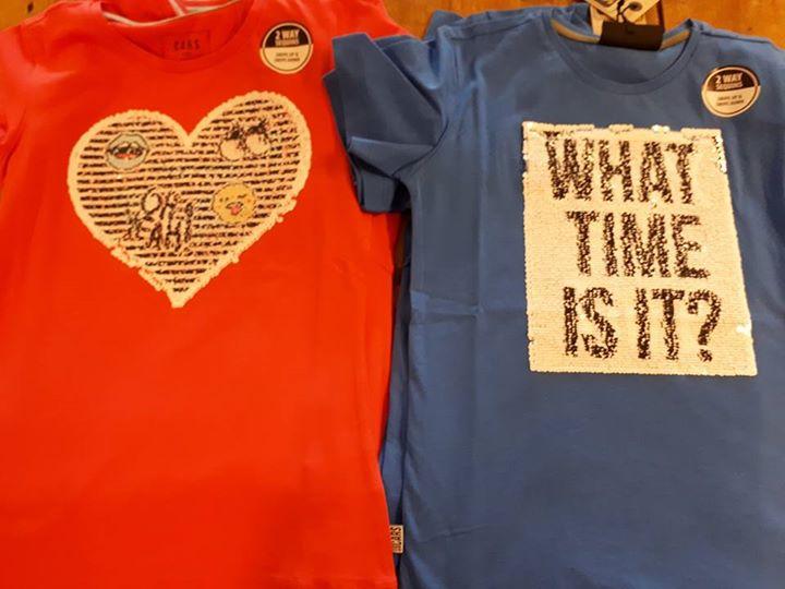 Mocht je kind nog niet in het bezit zijn van zo'n gaaf shirt met pailletjes? Wij...