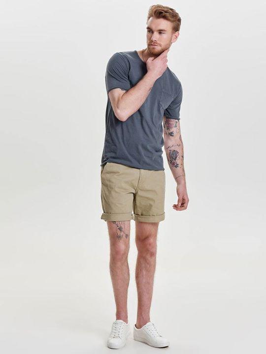 Net binnen Only & Sons! Nog op zoek naar een korte broek voor de vakantie?  Wij ...