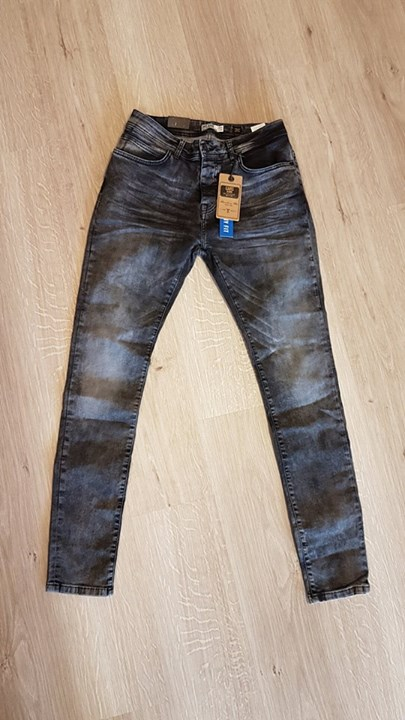 NEW IN STORE:  MEN CARS JEANS DUST BLACK USED - SUPER SKINNY FIT