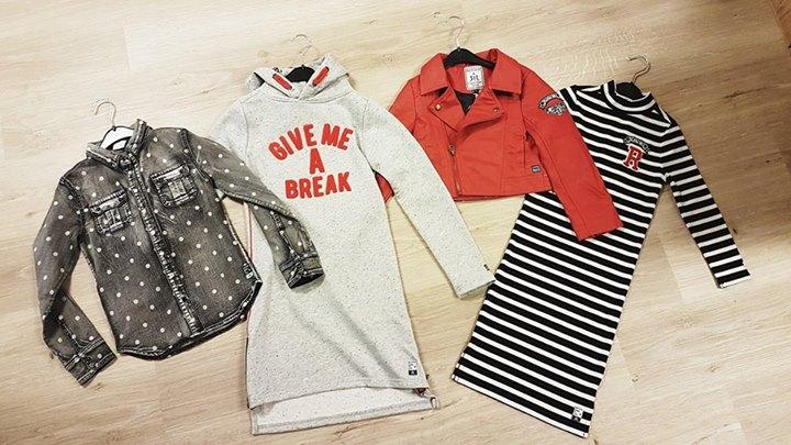 Red, white, blue... and black!  Vingino & Retour Denim Deluxe / Retour Jeans!  M...