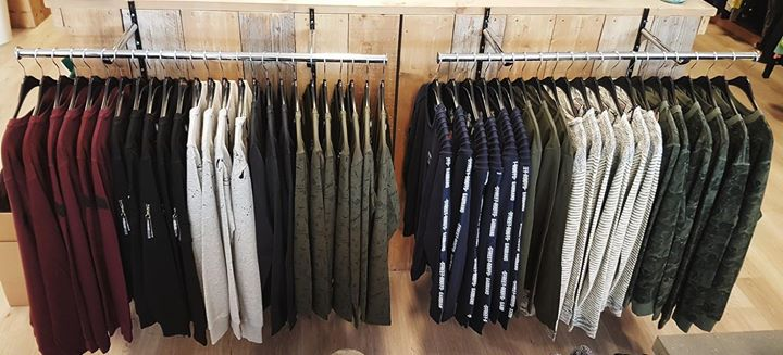 SWEATER WEATHER   NIEUW: Basic sweaters van Only & Sons, Gabbiano, Petrol & Car...