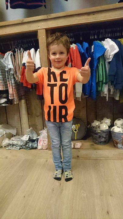 Mick Laarman helemaal blij met zijn gewonnen broek van Retour!!