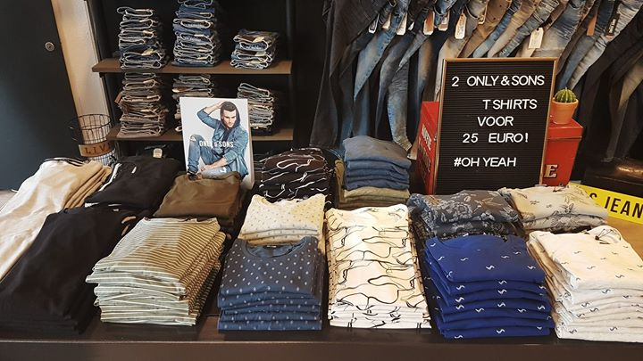 "2 ONLY&SONS T-SHIRTS VOOR MAAR € 25,- !!  ⭐ ONLY&SONS ""SUNSHINE"" VERLOTING ⭐  Om..."