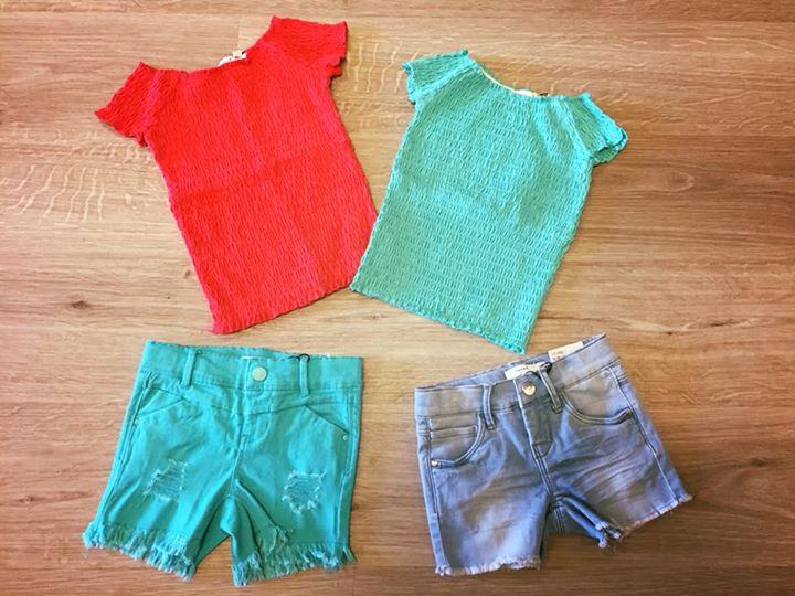 🧚️NAME-It🧚️ Zomer top voor de meiden in 2 vrolijke kleuren!!  €16,99 in maat 1...