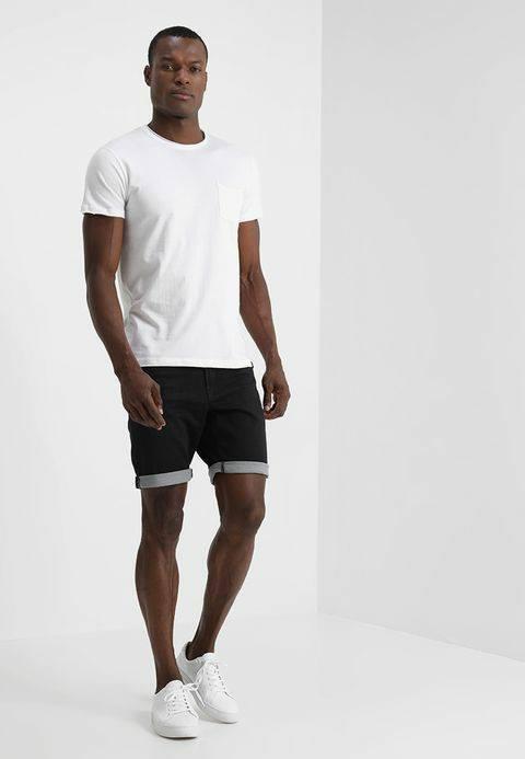 SHORTS FOR MEN!   De korte broeken zijn weer aangevuld!!   #CarsJeans  #PetrolIn...