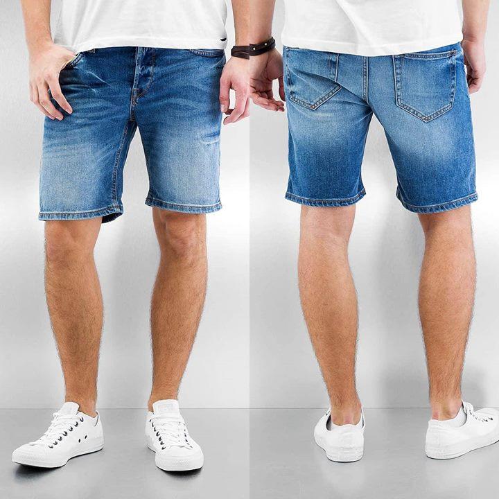 Uitzoeken!!!  2 korte broeken van ONLY& SONS voor €50,-!!