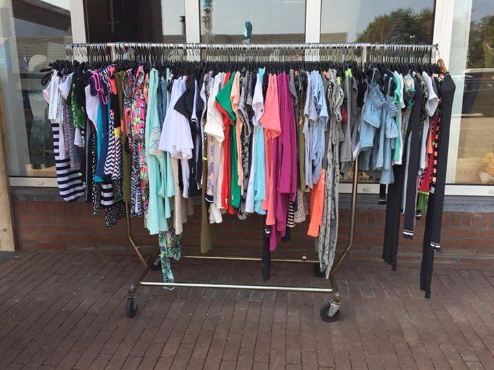 Laatste zomer items buiten aan het rek... Nu helft van de helft!!